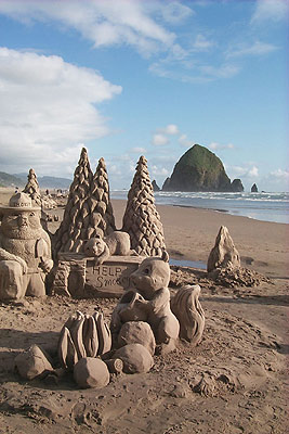 Cannon Beach Sandcastle Day, Smokey the Bear