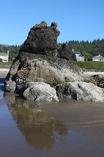 Unnamed seastack at southern end of Cannon Beach