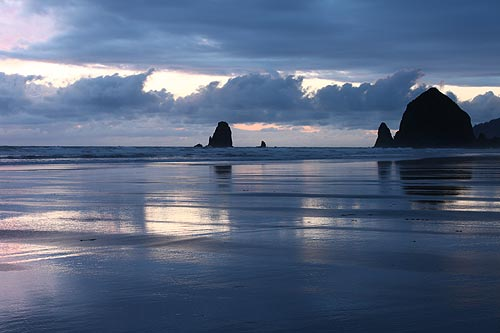 Haystack Rock seen from southern Cannon Beach