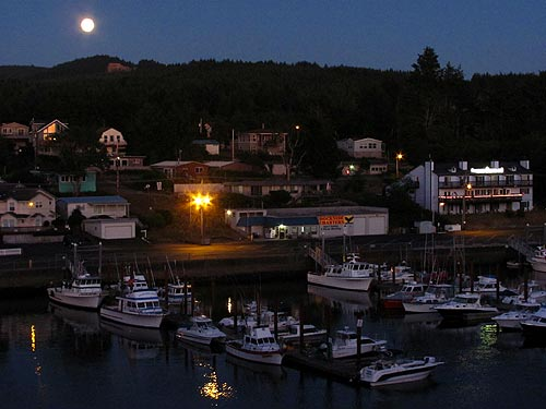 moonrise at Depoe Bay, central Oregon coast