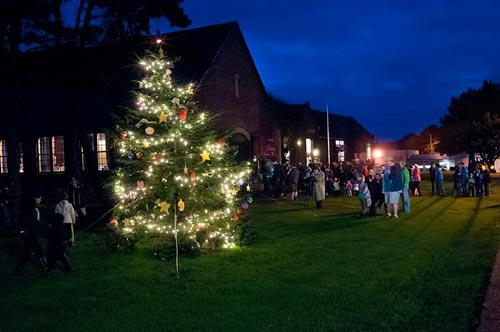 Central Oregon Coast's Holiday Kickoff: Lincoln City Tree Lighting, Market