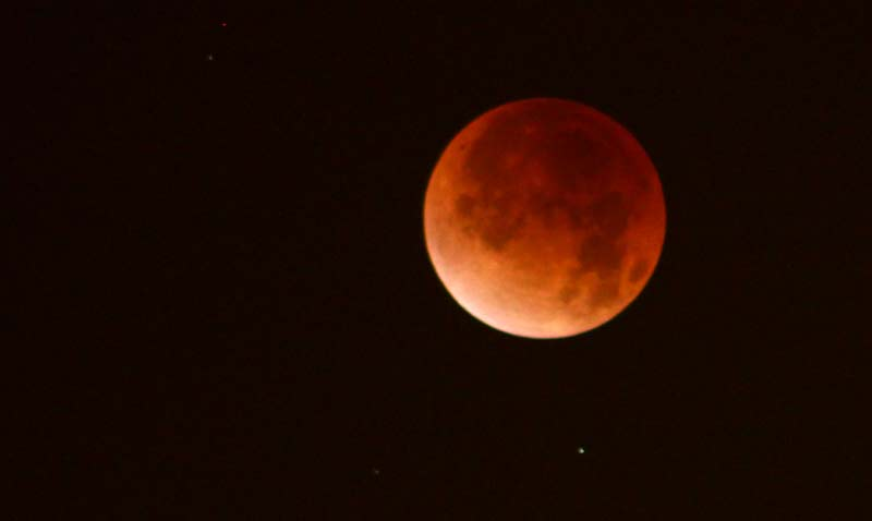 - portl eclipse orangebig - Two Space Stations and Supermoon Eclipse Above Oregon, Washington, Coastlines